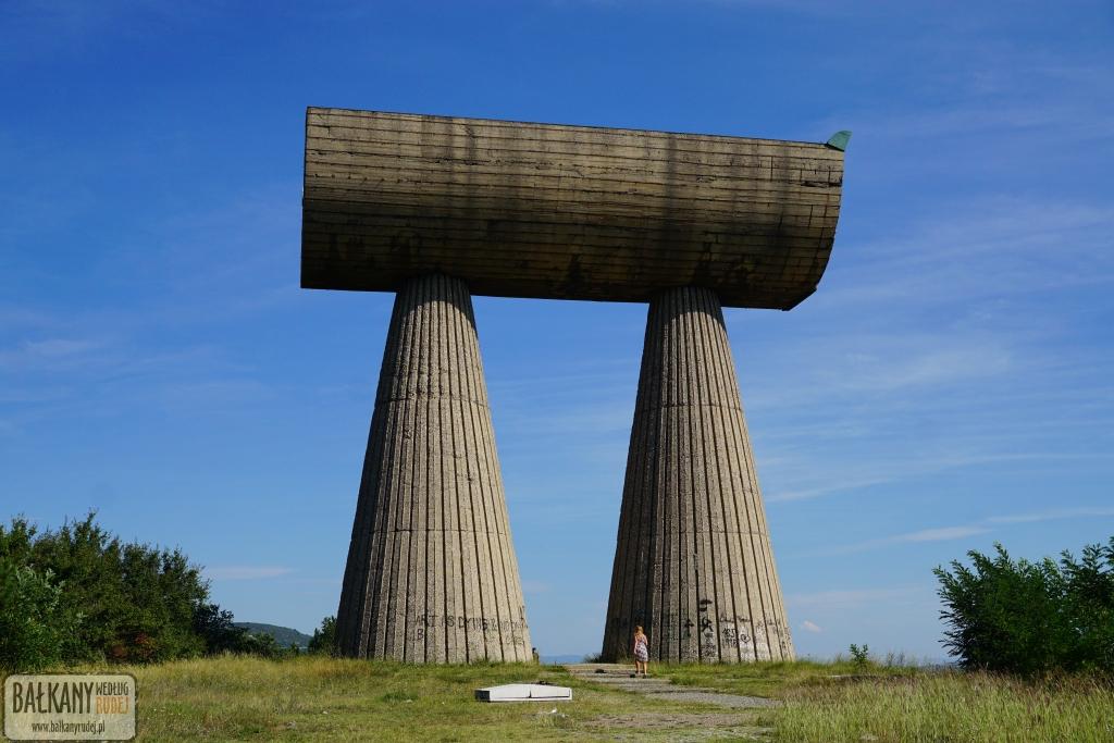 pomnik mitrowica