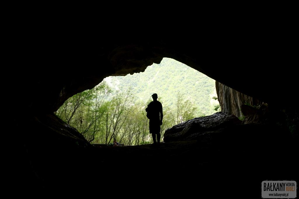 Jaskinia Pëllumbas