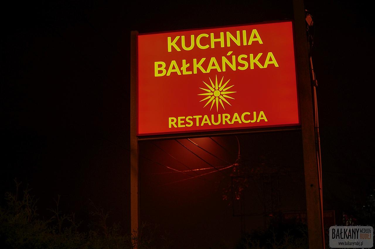 Pod Parasolami Nieoczywista Bałkańska Restauracja