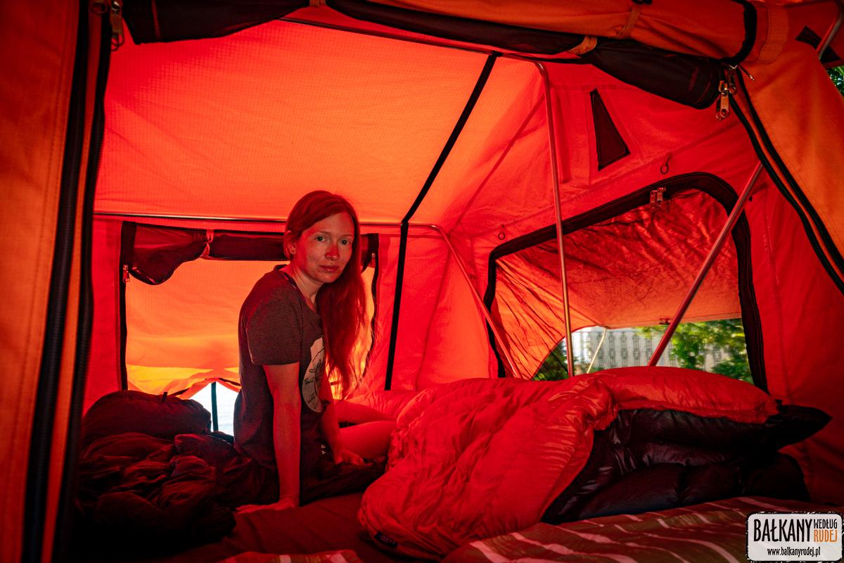 test namiotów dachowych
